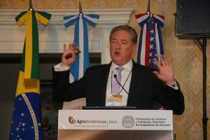 Mike Dwyer, representante del Dpto. de agricultura de EEUU