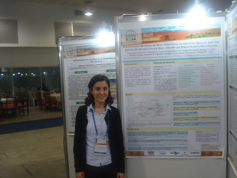Constanza Carrera y equipo: El mejor trabajo científico de Mercosoja 2015