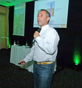 Mauricio Morabito, Mkt Syngenta, presentando Eddus.