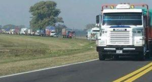 camiones en la ruta