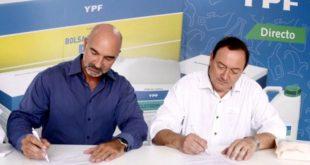 Marcos Capdepont, gerente de Negocios Agro de YPF, y Rubén González Ocantos, gerente de Banca Agropecuaria de Banco Provincia