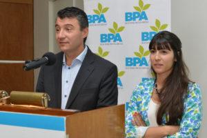 Ramiro Costa Coordinador de la Red BPA con Naiara Fernández Yarza Coordinadora de la Subcomisión de Productos Fitosanitarios